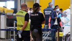 Sicherheitskontrollen am Flughafen in Rom (Bild: AP)