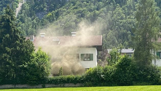 Die Frau wurde durch den Rauch geweckt. (Bild: zoom.tirol)