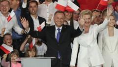 Amtsinhaber Andrzej Duda mit seinen Anhängern (Bild: The Associated Press)