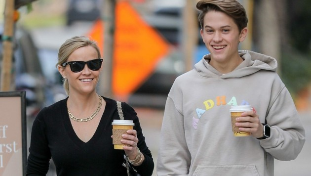 Reese Witherspoon mit Sohn Deacon (Bild: www.PPS.at)