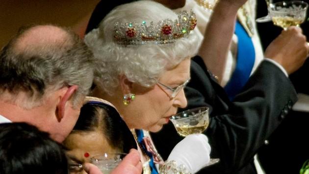 """Der ehemalige königliche Koch Darren McGrady verriet über die Königin: """"Sie mag einen Gin und Dubonnet. Das ist ihr Lieblingsgetränk."""""""
