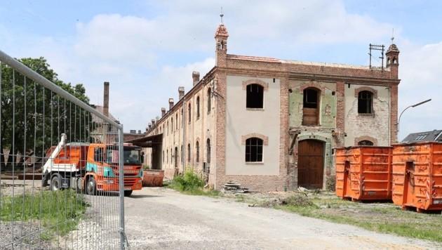 Alte Fabrik, spezieller Fall: Schulbauprojekt in Bruckneudorf ist aufwändig. (Bild: Reinhard Judt)