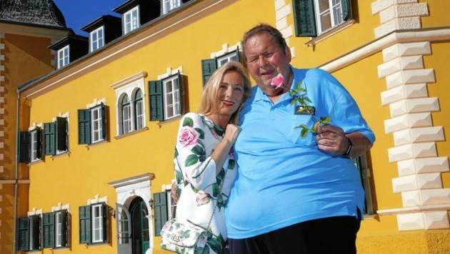 Ottfried Fischer und seine Ehefrau Simone checkten bereits letzte Woche in Velden ein. (Bild: Uta Rojsek-Wiedergut)