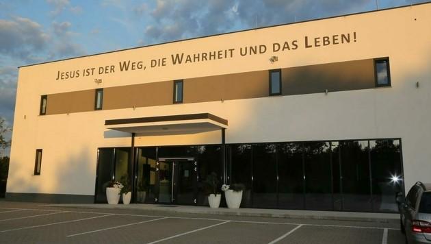Geschlossen bleiben derzeit auch die Räumlichkeiten der Pfingstkirche in Wiener Neustadt. (Bild: Horvath Helmut)