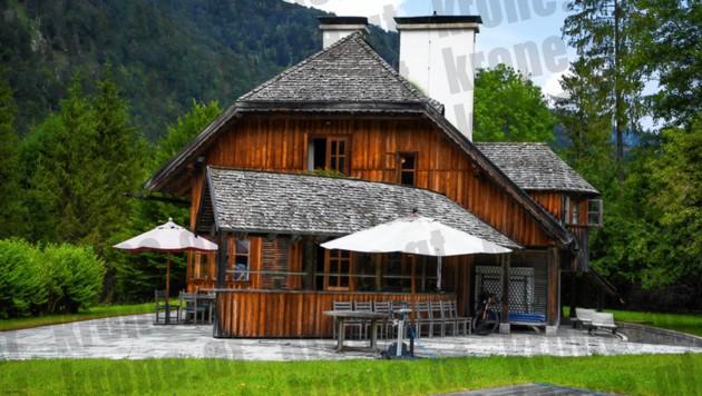 In diesem Jagdhaus im idyllischen Grünau kam es Mitte Juli zu ersten wüsten Szenen mit der Polizei.