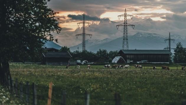 In Kaprun verstellen Masten bereits den Blick auf die Berge (Bild: EXPA/ JFK)