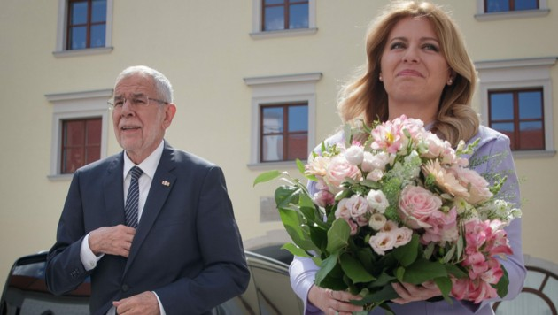 Bundespräsident Alexander Van der Bellen holte nun seine wegen der Corona-Krise verschobene Reise zur slowakischen Amtskollegin Zuzana Caputova nach.