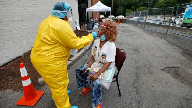 Die Zahl der Corona-Neuinfektionen in den USA erreicht nun fast täglich einen neuen Rekordwert. (Bild: AP)