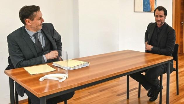 Dornauer (re.) mit seinem Anwalt Mathias Kapferer (Bild: zeitungsfoto.at/Liebl Daniel)