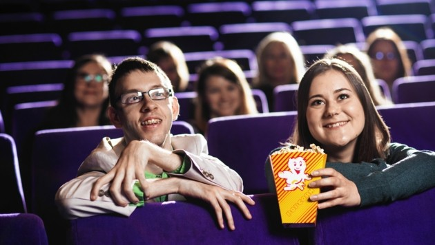 Gemeinsam ins Kino - die Freizeitassistenz der Lebenshilfe macht es möglich. Und auch das heuriges Jubiläum wird cineastisch gefeiert - mit einer Filmreihe im Grazer Lesliehof.