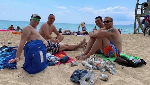 Jörg, Volker, Timo und Stefan (v. li.) genießen den Männerurlaub. (Bild: Anna Haselwanter)