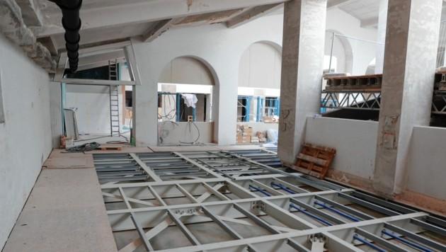Im neu ausgebauten Dachgeschoß soll ein Restaurant viele Besucher anlocken. (Bild: Zwefo)