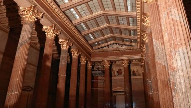 Der größte Raum ist die fast 1000 Quadratmeter große Säulenhalle. Darunter entsteht das neue Besucherzentrum. (Bild: Zwefo)