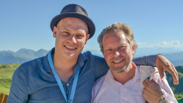 Michael Reisch und der Leiter der Drehbuchklausur, Sebastian Andrae (rechts). (Bild: Hubert Berger)