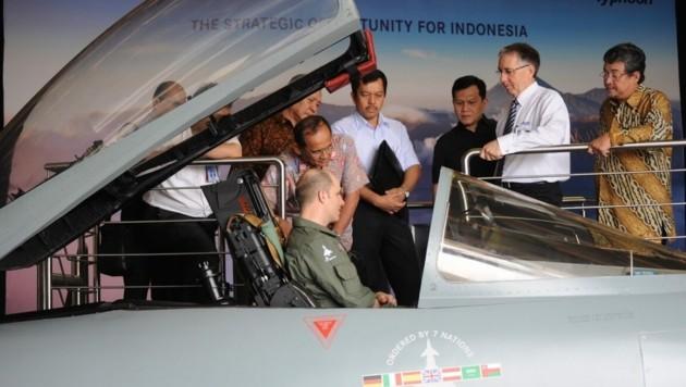 Ein Eurofighter-Modell bei einer Vorführung 2015 in Indonesien. Schon damals versuchte Airbus, seinen Kampfjet in Asien zu verkaufen.