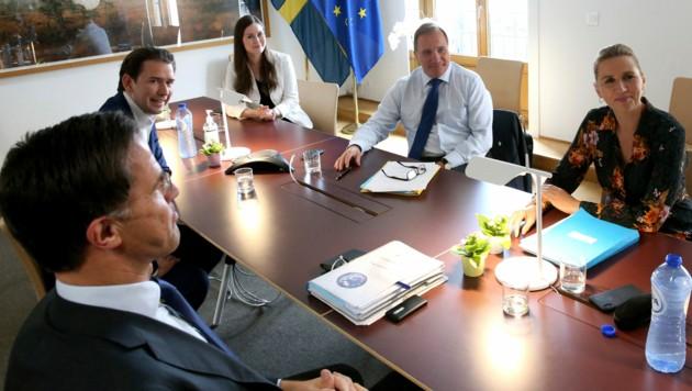"""Die """"Sparsamen Vier"""" - Mark Rutte (Niederlande), Sebastian Kurz, Stefan Lofven (Schweden) und Mette Frederiksen (Dänemark) - und Finnlands Premierministerin Sanna Marin"""