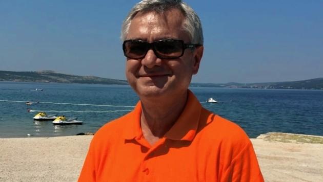 """""""Schön, dass immer wieder Delfine in unserer Bucht vorbeischauen. Das spricht auch für die gute Wasserqualität"""", freut sich Christian Gruber vom AdriaSol in Novigrad."""