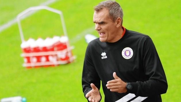 Der Vertrag von Austria-Trainer Robert Micheu läuft bis 2021.