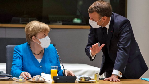 """Sogar Angela hält zu mir."""