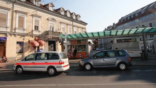 Auf dem Griesplatz in Graz passierte heute der fürchterliche Unfall. (Bild: Kronen Zeitung)