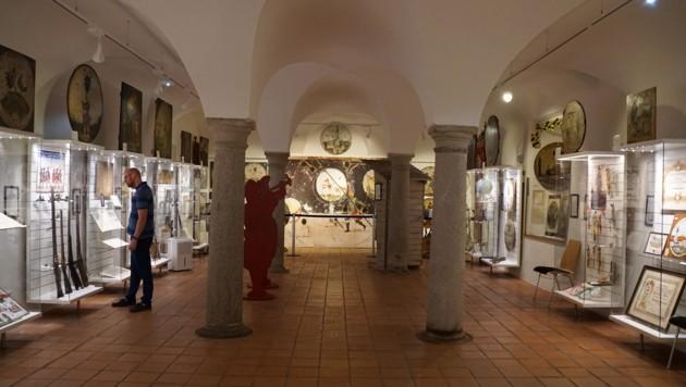 """Historische Scheiben und Gewehre: """"Die Freistädter Büchsenschützen"""" im Schlossmuseum Freistadt"""