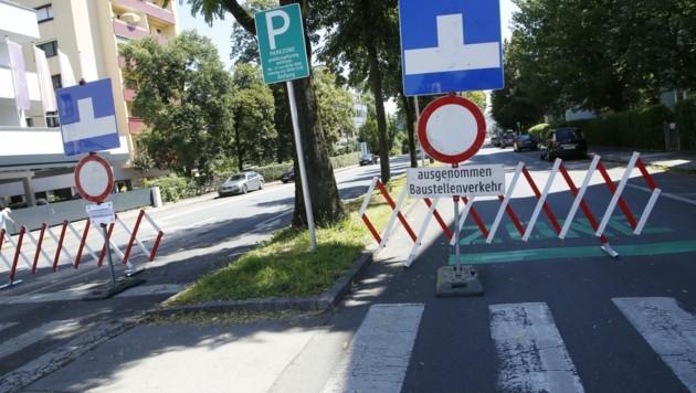 Die Kreuzung Rosentaler Straße/August-Jaksch-Straße in Klagenfurt ist seit Montag wegen Bauarbeiten gesperrt.