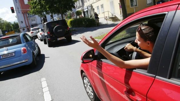 Was ist denn da los? – Viele Lenker waren wegen der Staus mitten in Klagenfurt verzweifelt.