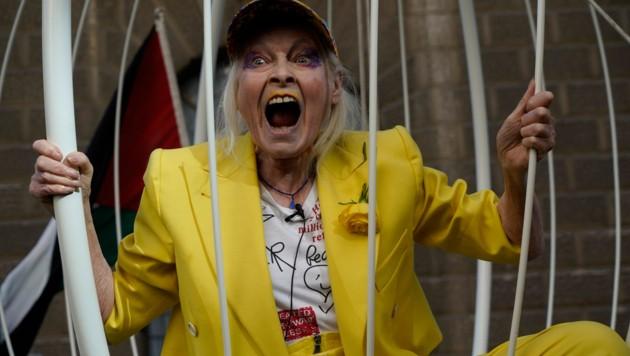 Vivienne Westwood protestiert für Julian Assange. (Bild: APA/AFP/Niklas Halle'n)