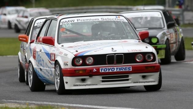 Eng wird's bei den Kurvenkämpfen der BMW 325 Challenge auf dem Salzburgring. (Bild: ANDREAS TRÖSTER)