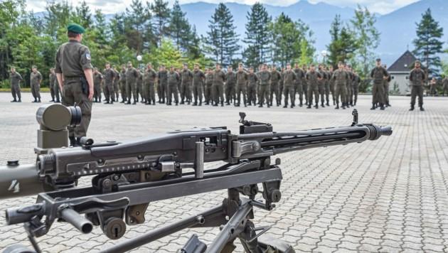 Rund 80 Soldaten der Miliz wurden am Dienstag für ihren Corona-Einsatz gewürdigt.