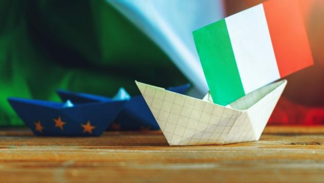 Um unter anderem den in den Corona-Gewässern ins Schlingern geratenen italienischen Kahn zu retten, macht die EU-Flotte Geld locker. (Bild: stock.adobe.com)