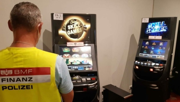 38 Automaten und zwei Pokertische wurden beschlagnahmt. (Bild: BMF)