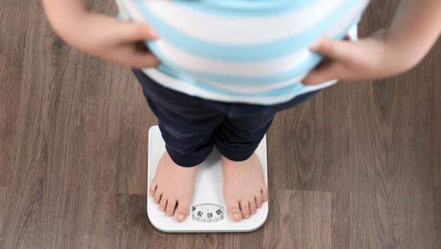 Je 4,5 Kilo haben die Schüler in rund 3 Monaten zugenommen. (Bild: Africa Studio/stock.adobe.com)