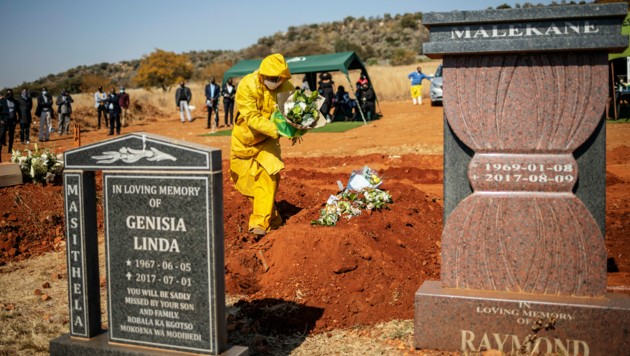 Südafrika hat einen Rekordanstieg bei den Todesfällen durch das Coronavirus gemeldet. (Bild: Michele Spatari / AFP)