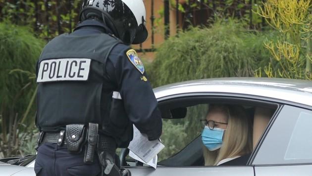 Lisa Kudrow bekommt einen Strafzettel. (Bild: www.photopress.at)