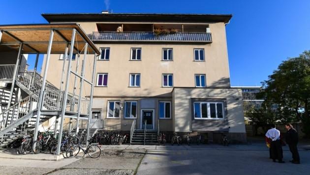Im Flüchtlingsheim in der Trientlgasse waren Asylwerber beschäftigt.