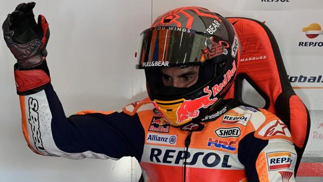 Marquez bewegt seinen verletzten rechten Arm