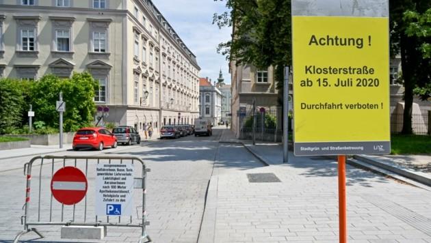 Geht´s nach den Aktivisten, dauert die Sperre bis Freitag (Bild: Dostal Harald)