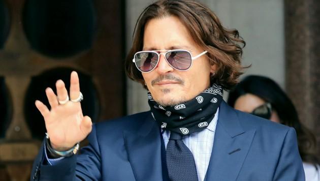 Johnny Depp vor einem Gerichtstermin in London