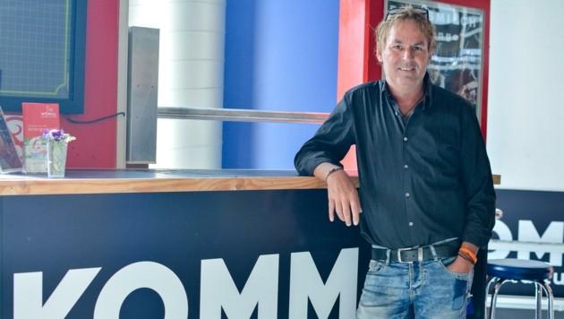 Luggi Ascher, Geschäftsführer des Komma in Wörgl, startet am 4. September mit seinem Team das Kulturprogramm. (Bild: Hubert Berger)