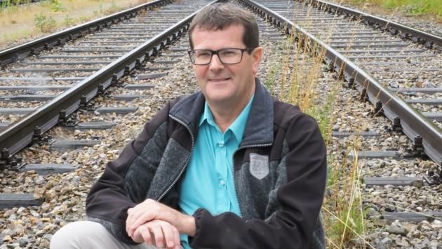 Stadtchef Albert Pitterle will nun die Weichen für eine bessere Anbindung stellen. (Bild: Gabriele Moser)