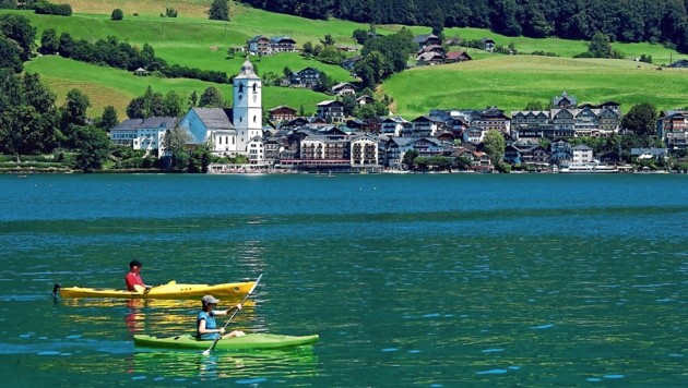 Sommer, Sonne, Covid: Trügt die Idylle am Wolfgangsee? (Bild: Copyright 2020 The Associated Press. All rights reserved.)