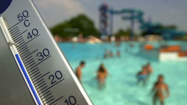 Eine Hitzewelle kommt nun auf uns zu - Abkühlung ist dabei das A und O gegen einen Hitzekoller. (Bild: APA/BARBARA GINDL)