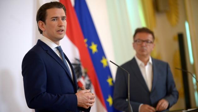 Bundeskanzler Sebastian Kurz (ÖVP) und Gesundheitsminister Rudolf Anschober (Grüne) beim letzten Ministerrat im Juli. (Bild: APA/HERBERT PFARRHOFER)