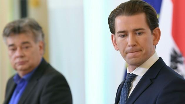 Vizekanzler Werner Kogler (Grüne) zweifelt an der Handlungsfähigkeit von Bundeskanzler Sebastian Kurz (ÖVP). (Bild: APA/Roland Schlager)