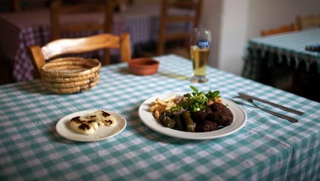 Ein traditionelles zypriotisches Gericht mit Fleischbällchen und Halloumi-Käse, dem Exportschlager der Insel. (Bild: AFP)