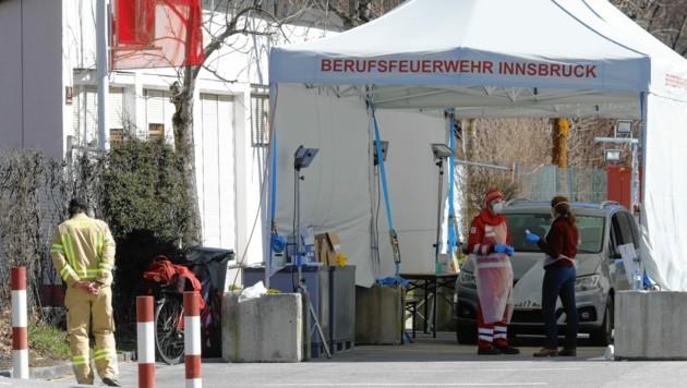 """""""Drive-In-Stationen"""" für Corona-Tests, wie hier in Innsbruck, soll es bald in allen steirischen Bezirken geben."""
