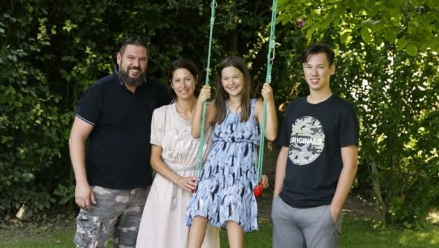 Markus Scheiber und seine Familie können trotz des Rechtsstreits weiter lachen (Bild: Tschepp Markus)