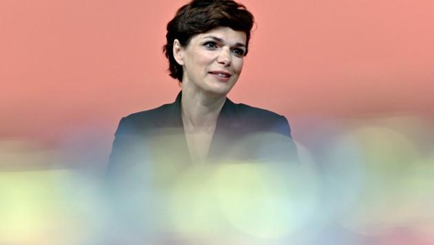Die SPÖ-Chefin Pamela Rendi-Wagner fordert in der Corona-Krise mehr Schutz für prekär Beschäftigte. (Bild: APA/Herbert Neubauer)