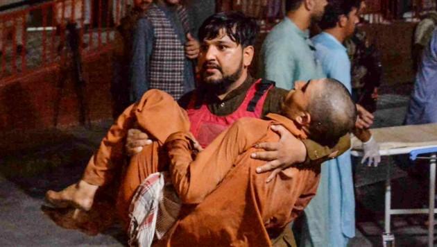 Dieser Mann ist bei der Explosion der Autobombe verletzt worden.